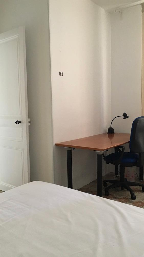 chambre du logement étudiant externe à la prépa médecine PACES+ nice