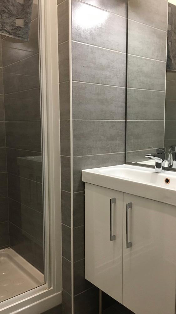 salle d'eau logement étudiant externe à la prepa paces+ nice